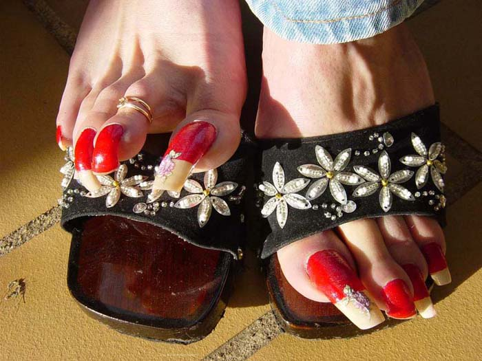Welcome to Emma\'s Lovely Long Toenails
